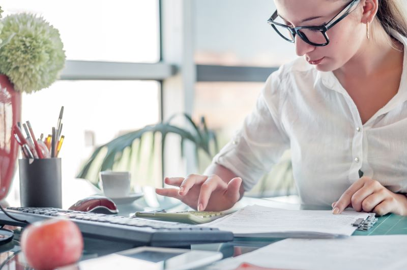 Bookkeeper vs. Accountant: Which One do You Need for Your Business?